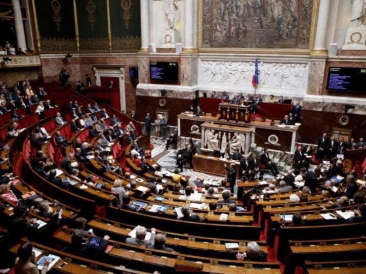 cover-r4x3w1000-582da3c448014-l-assemblee-nationale-lors-d-une-seance-a-paris-le-29.jpg